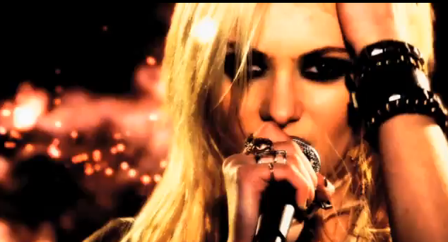 Taylor-Momsen-Make-Me-Wanna-Die-clip