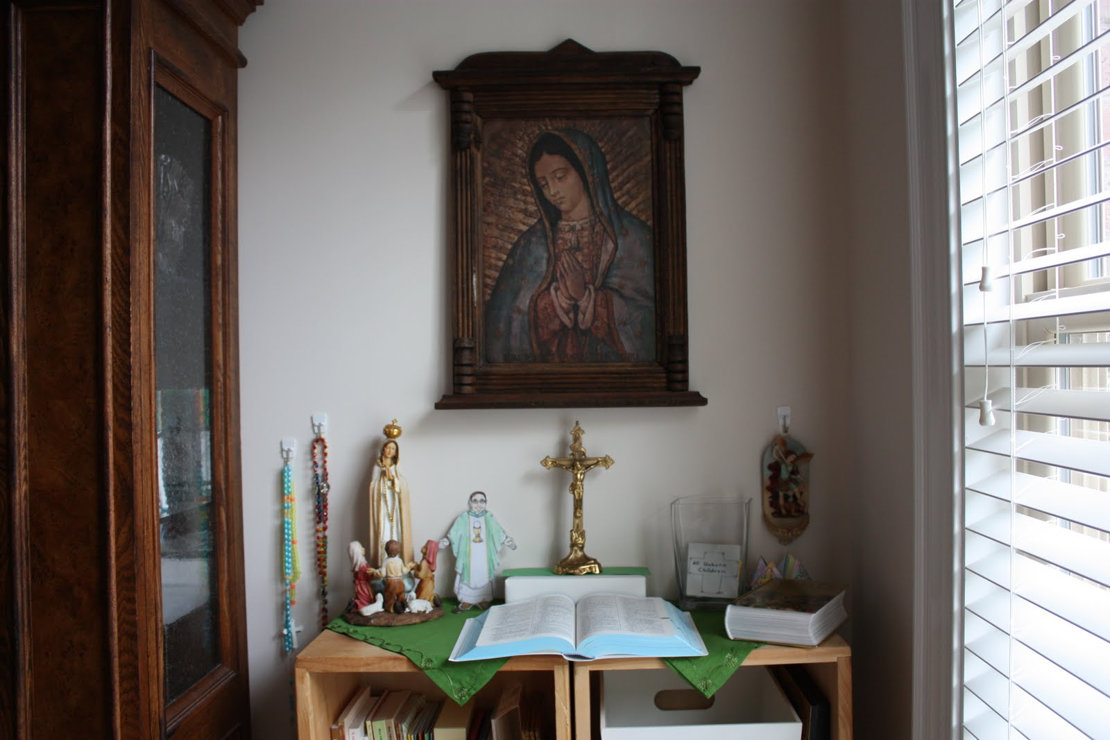 Catholic home altar the image kid has it - Home altar designs ...