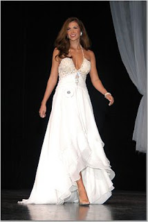 Lisa Lee in evening gown at Miss USA