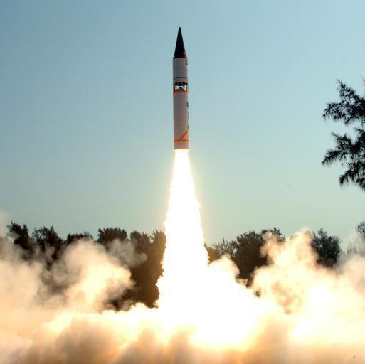 [India+Test+fires+its+Longest+Range+Nuclear+Capable+Agni-III+Ballistic+Missile.jpg]