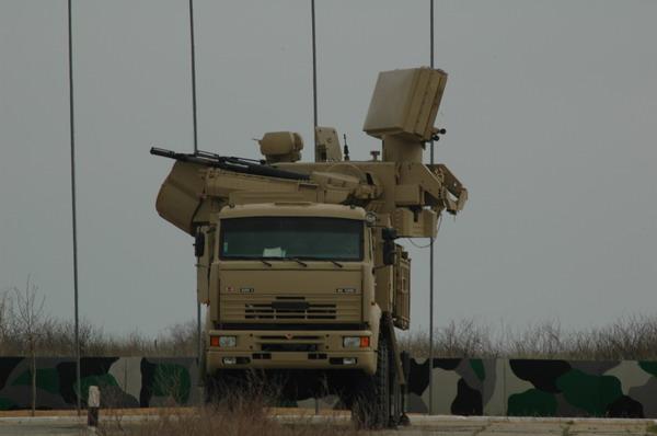 نظام الدفاع الجوي الصاروخي المدفعي - بانتسير - اس 1 ( pantsir-s1 ) للدفاع الجوي الجزائري + صور Pantsir-S1+UAE+(1)