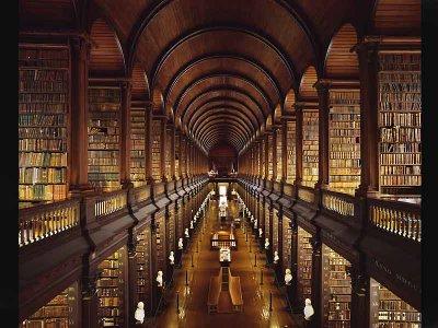 [Biblioteca+del+Trinity+College+de+Dublin.jpg]