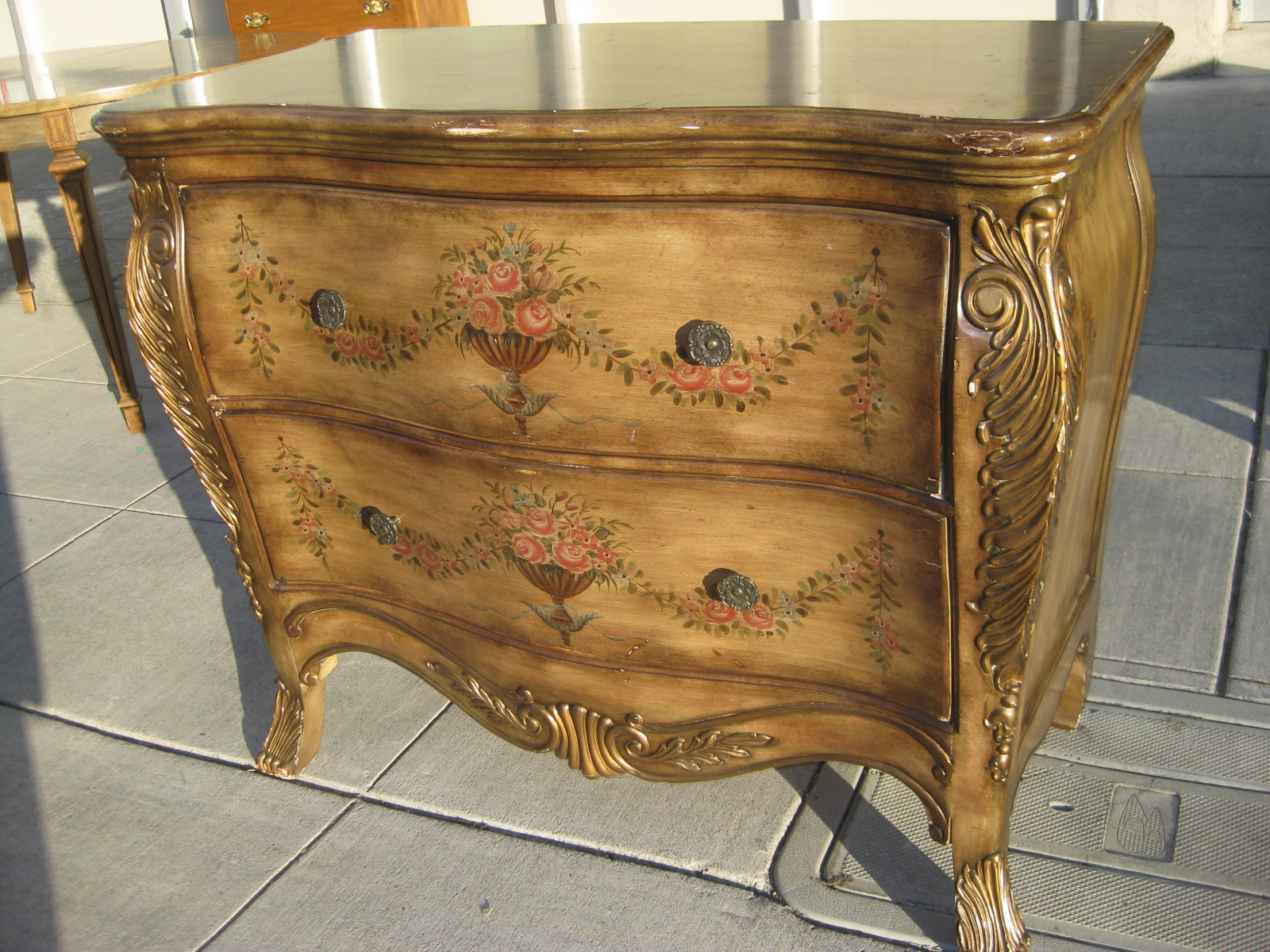 Uhuru Furniture Collectibles Sold Bombay Chest Of