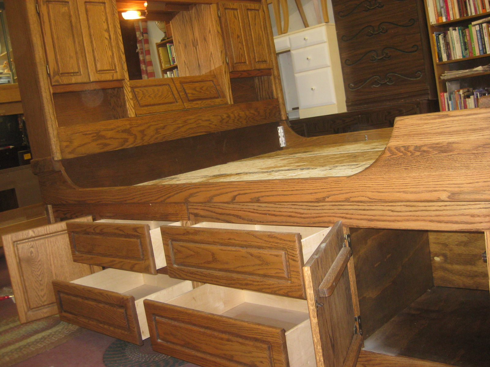 UHURU FURNITURE COLLECTIBLES SOLD Oak King Captains Bed 200