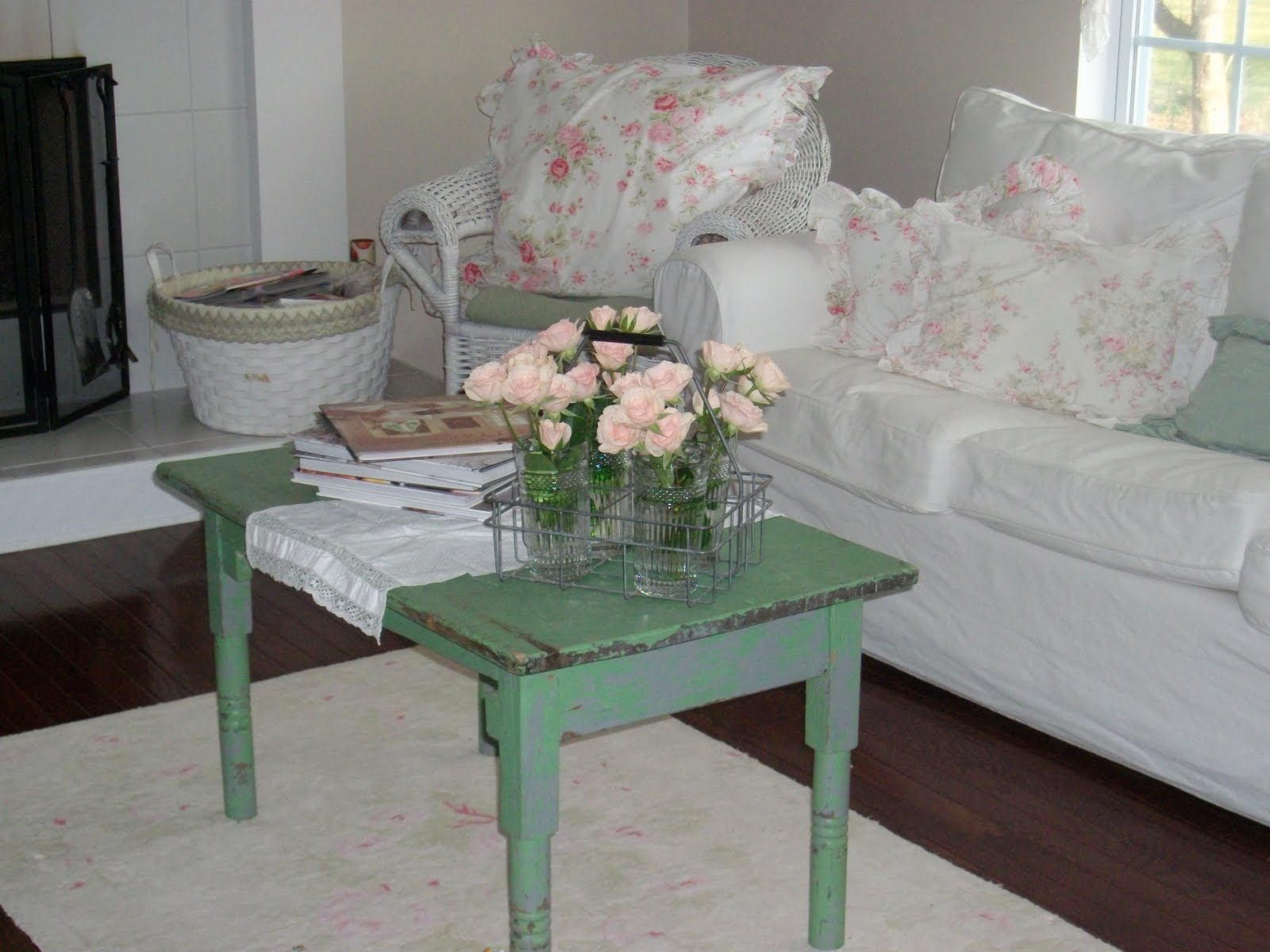 anything shabby chic a new coffee table. Black Bedroom Furniture Sets. Home Design Ideas