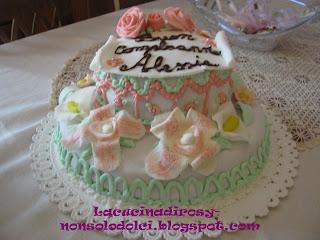 Le torte decorate di rosy torta di compleanno a due piani for Torte di compleanno a due piani semplici