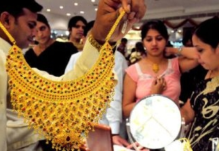 people buy gold in dhanteras