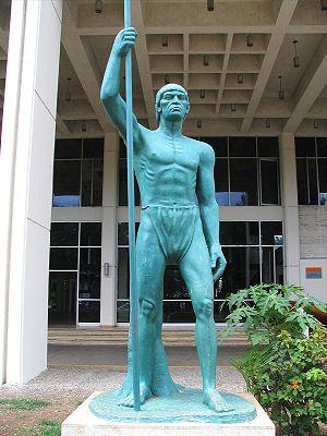 [300px-Enriquillo_Statue_Santo_Domingo.jpg]