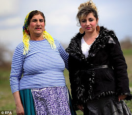 GYPSY WOMEN IN BULGARIA