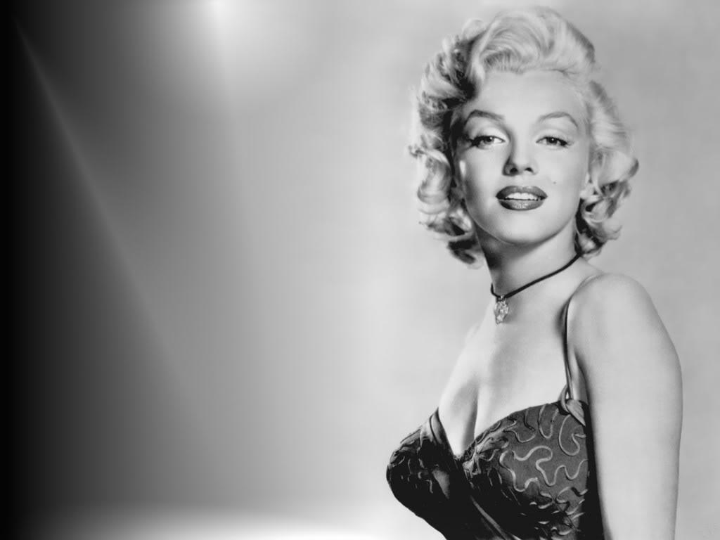 http://1.bp.blogspot.com/_i0d_aI971xg/TSHqOw61jGI/AAAAAAAAA-s/w0tRDj-Qx9k/s1600/Marilyn_Monroe_Wall2_for_Jon.jpg
