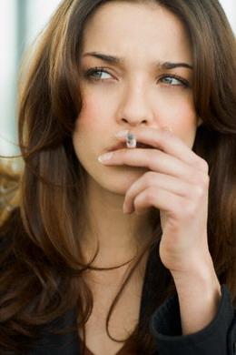 http://1.bp.blogspot.com/_i1U9iD5ZVv0/TAQQGlN08_I/AAAAAAAABKY/u42GbJB3xfQ/s400/Jumlah+perempuan+perokok+bertambah.jpg