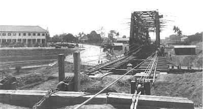 jembatan kewek rel KA KOTA BARU