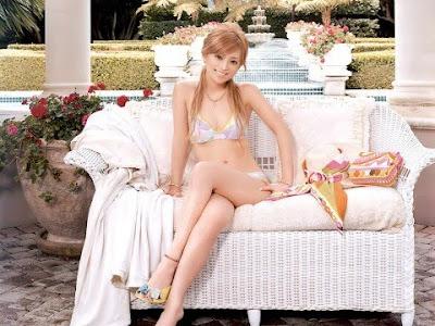 hotest Ayumi Hamasaki photo gallery