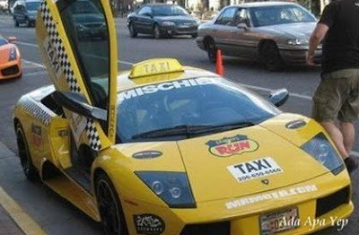 lamborghini turn to TAXI car
