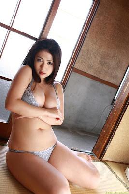 fine art gallery japan sexy girl nonami takizawa bikini