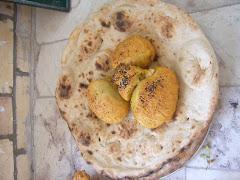 نان مخصوصي كه در روغن در مراسم گاهانبار تهيه شده و به عنوان نذري داده مي شود.