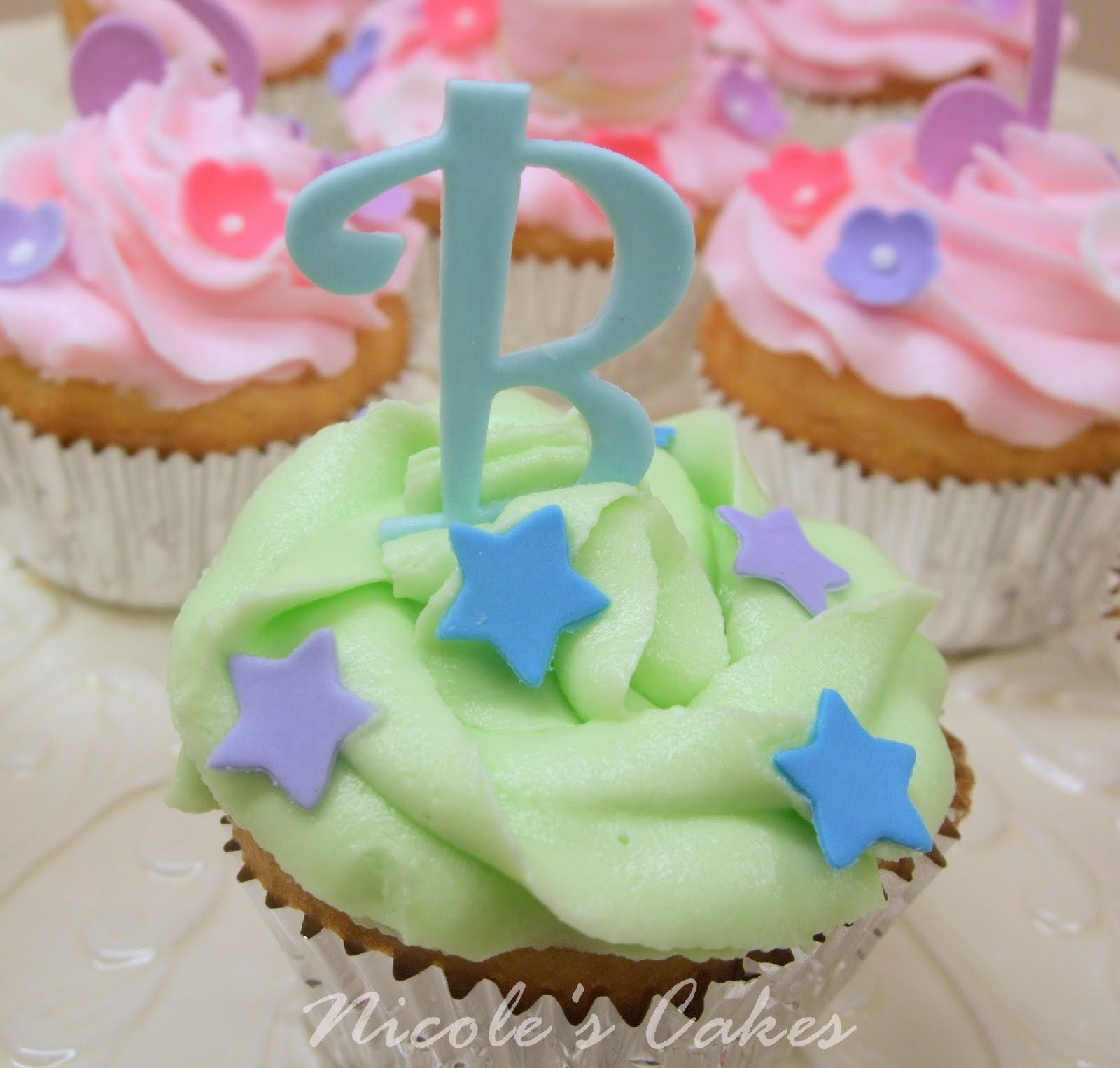 Cute birthday cupcake for boys