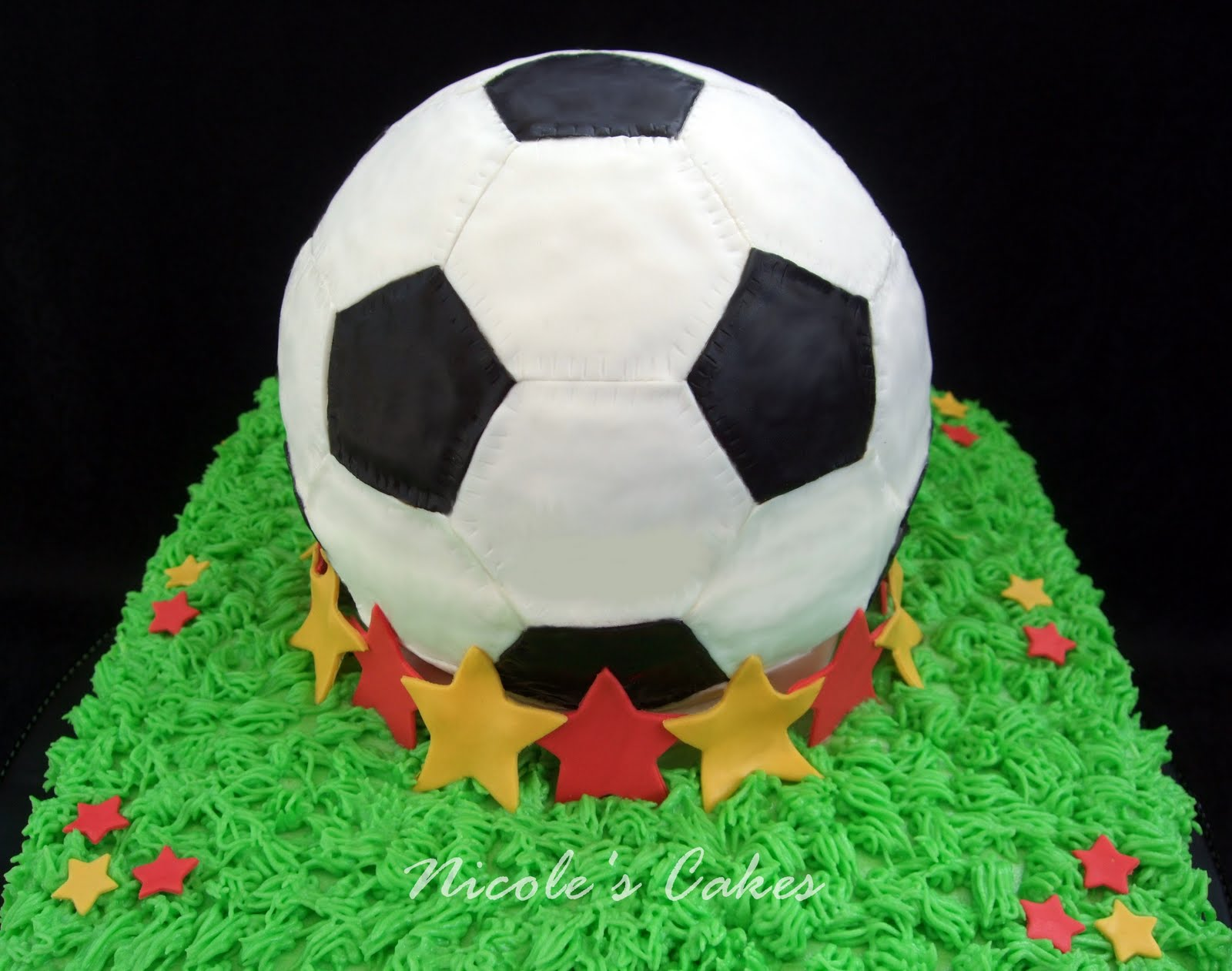 how to draw a soccer ball on a cake