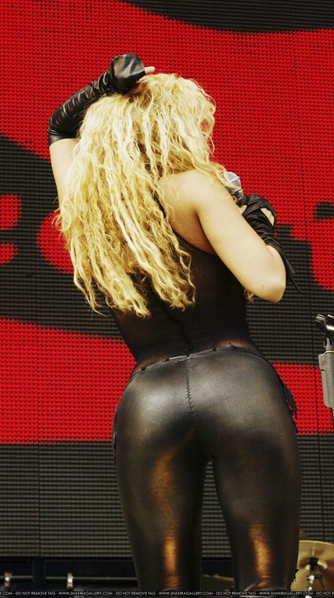 PER RICO URGENTE!! Shakira+001