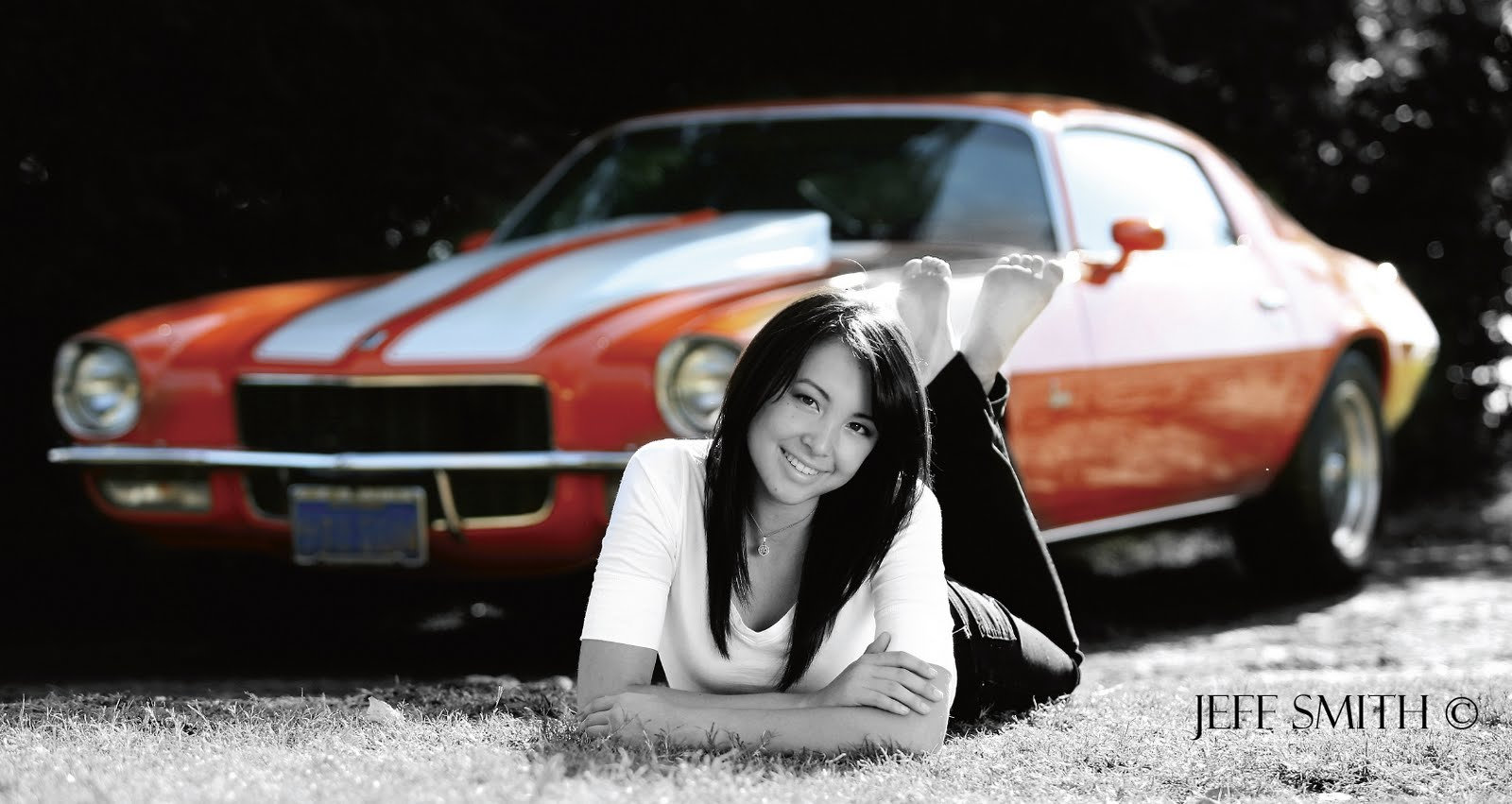 The Portrait Photographer Adding Props To Senior Portraits Jpg 1600x851 With Cars