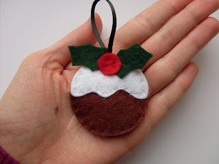 christmas crafts: felt puddings