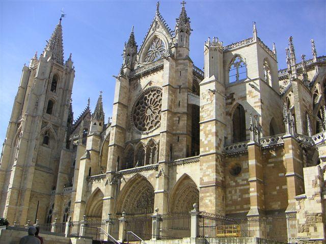 Econcious movimiento gotico for Arquitectura medieval