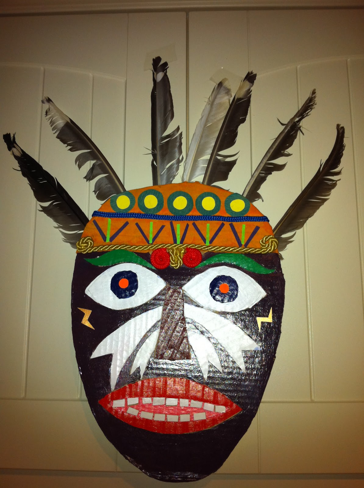 ellen 39 s art and craft recycled african mask. Black Bedroom Furniture Sets. Home Design Ideas