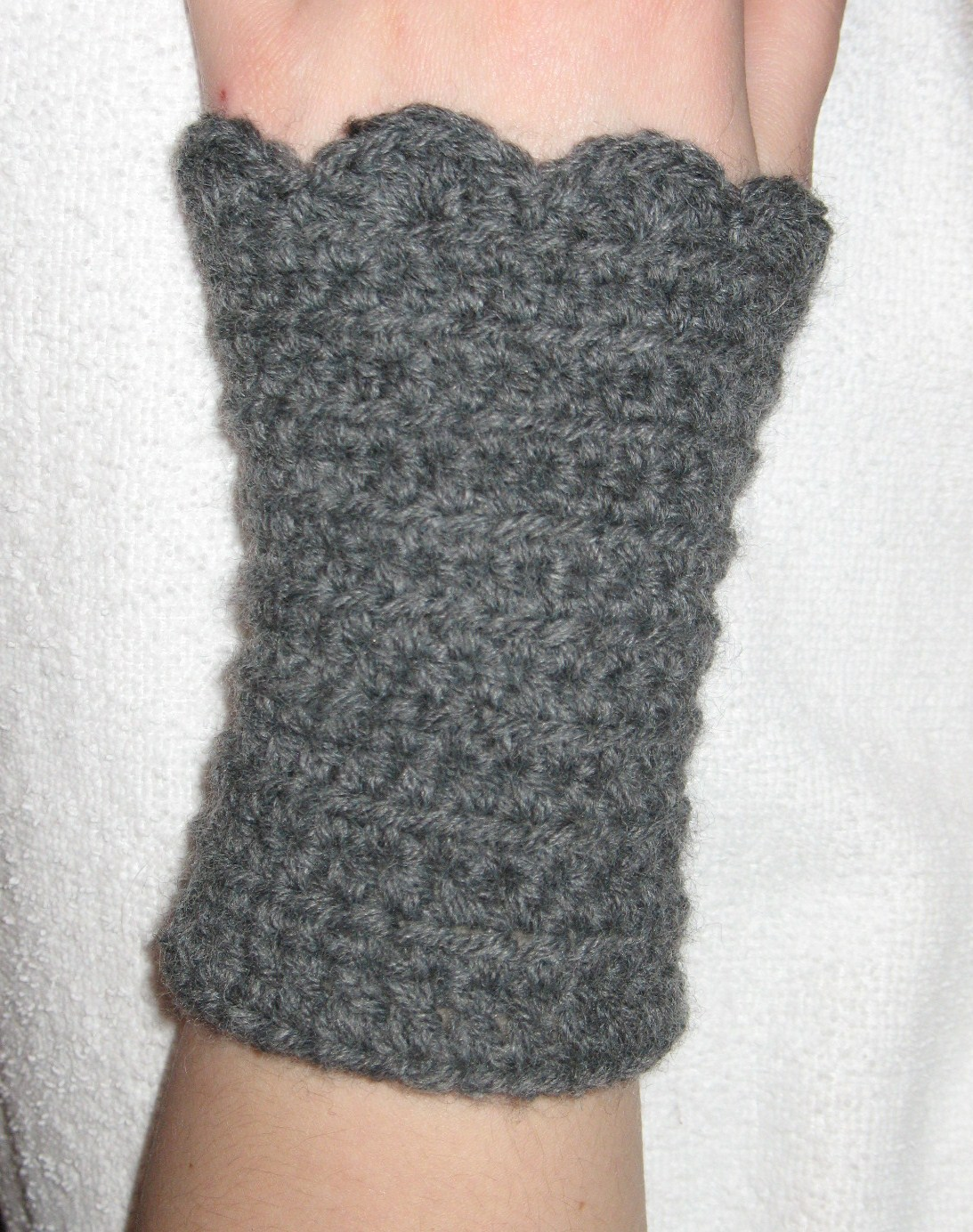 Hand Crochet Patterns : CROCHET HAND WARMERS PATTERN FREE PATTERNS