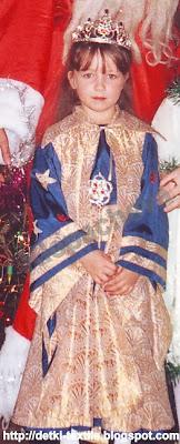 Оля в новогоднем костюме Фея