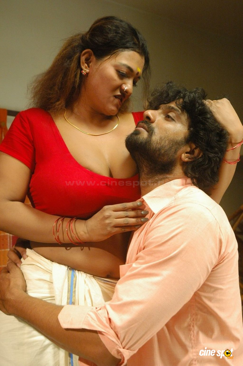 Tamil Hot Movie Thiruttu Sirukki, Thiruttu Sirukki Movie Hot Stills