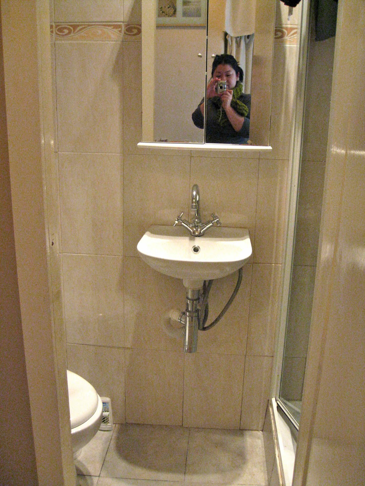 Merveilleux One (small) Bathroom