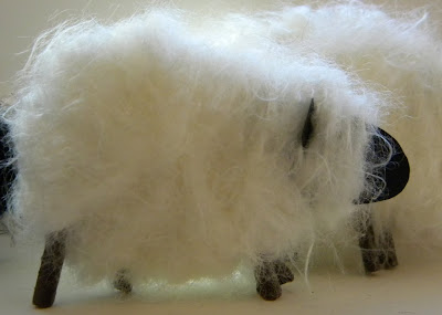 fuzzy yarn sheep tutorial