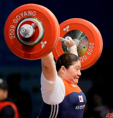 32 the worlds strongest woman 25 Perempuan yang Paling Extreem di Dunia