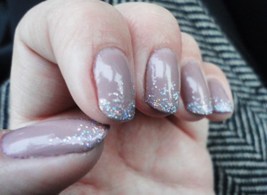 Nails on neil ~ Beautify themselves with sweet nails