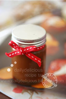 dailydelicious: Basic caramel sauce: You'll be happy to have me in the ...