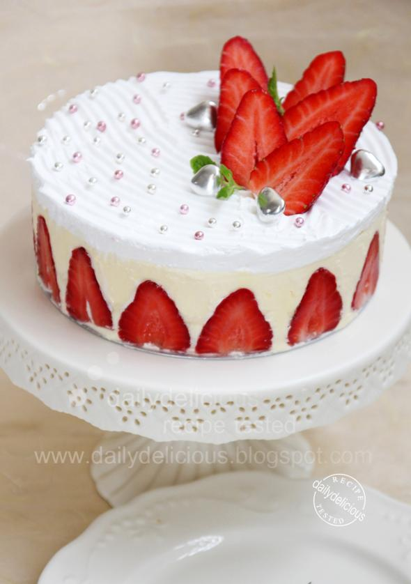 dailydelicious: Fraisier: Beautiful French Strawberry Cake
