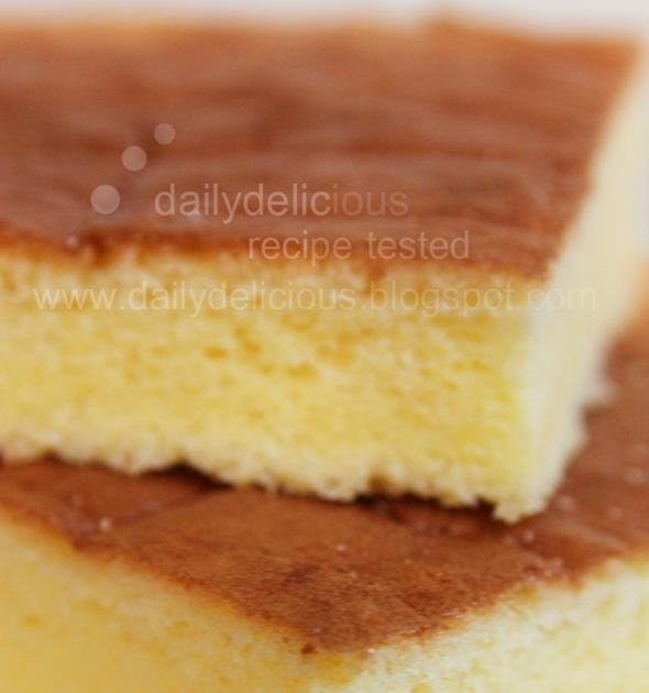 Yellow Sponge Cake With Strawberries