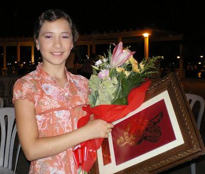 María Espinosa, orgullosa tras su actuación que la convirtió en vencedora del Certamen