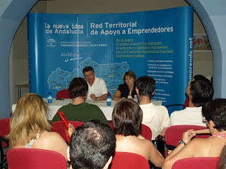 Alcalde y delegada en su intervención de inauguración de las jornadas