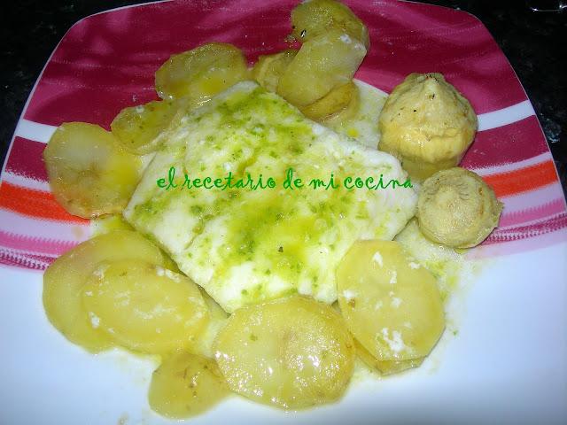 Bacalao al horno con alcachofas y patatas