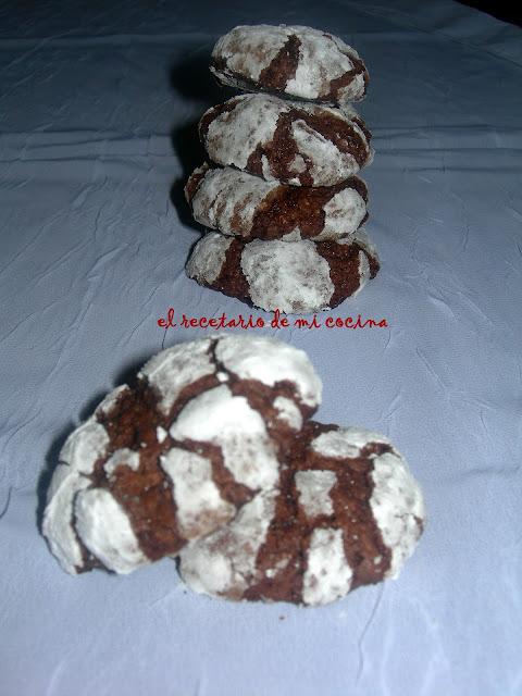 pastas blanco y negro de almendras