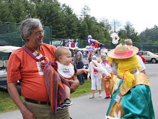 Mason meets his first clown