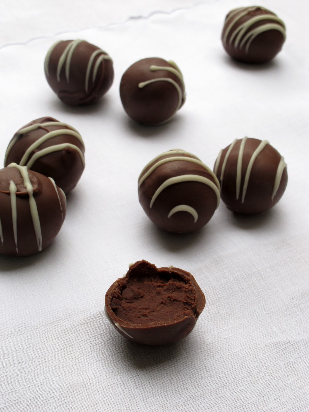 ... and Sauce: Gift worthy truffles #3: boozy dark chocolate with rum