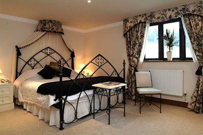 Gothic Style Bedroom Decoration