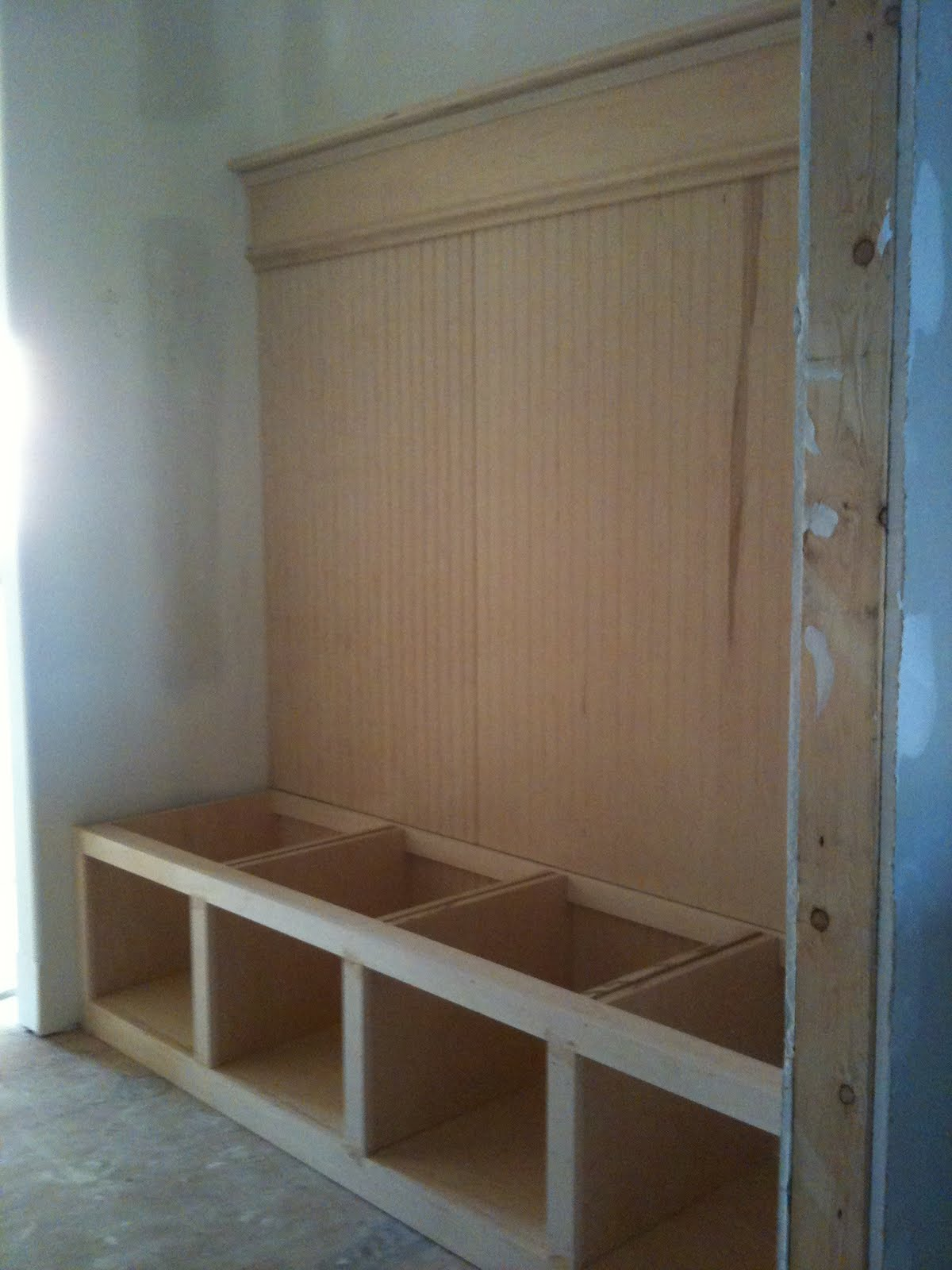 Mud Room Bench Plans PDF woodworking projects school
