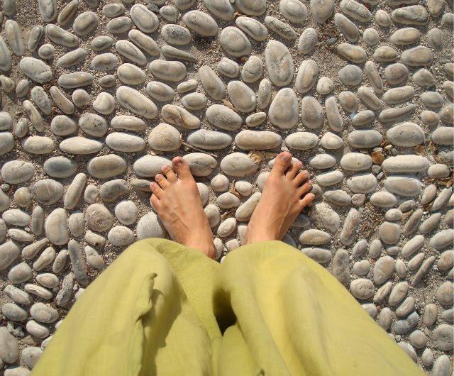 http://1.bp.blogspot.com/_iHTuZwkuBqw/TDzoCEniMEI/AAAAAAAABdY/LvhqDlA-k4A/s1600/Altea+stones.jpg