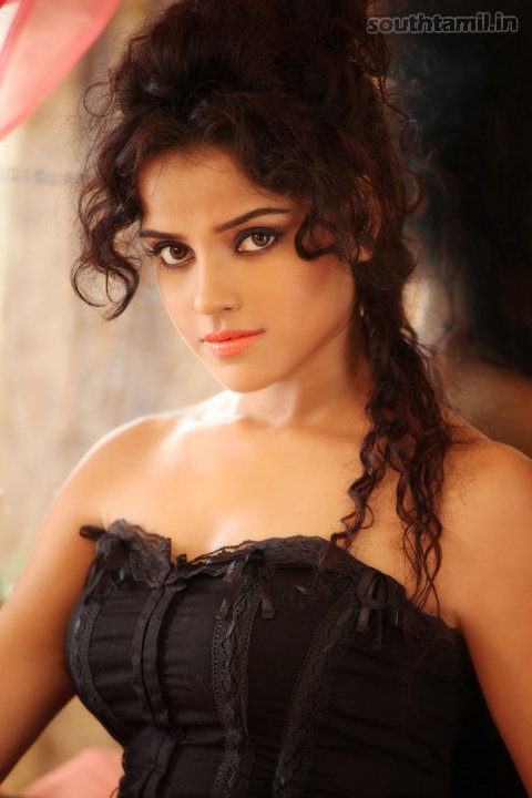 Piaa Bajpai Sexy Tamil Actress Hot Photoshoot