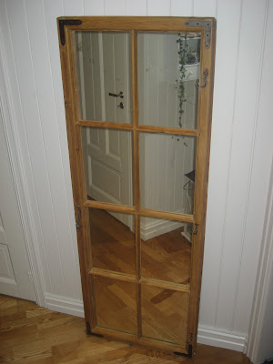 Lage speil av gammelt vindu