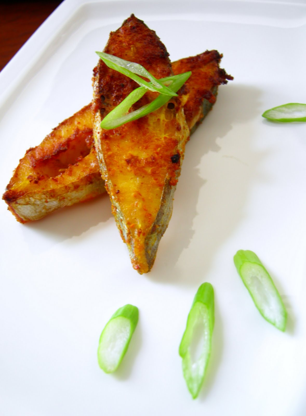 Tiffin carrier antic que 39 s simple butter fish fry for Cliffords fish fry