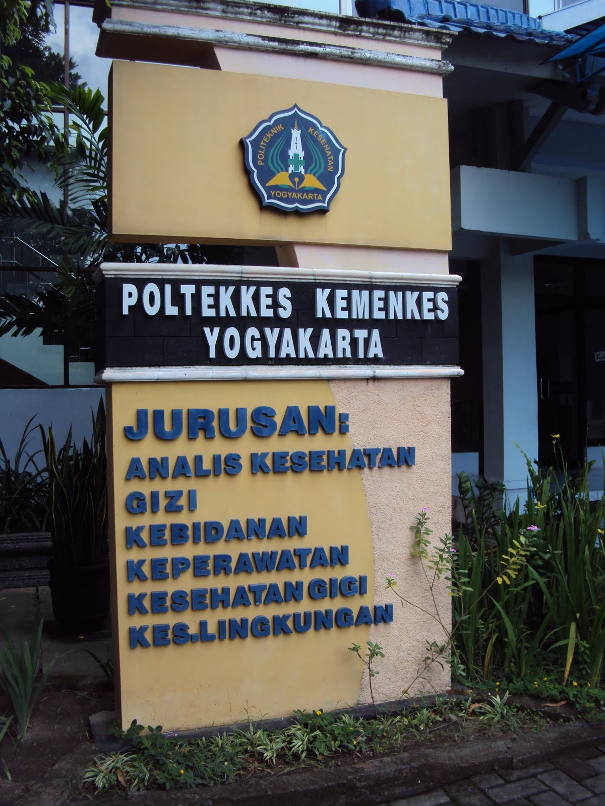 JURUSAN KESEHATAN GIGI POLTEKKES DEPKES JOGJA
